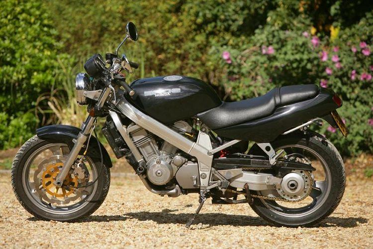 Мотоцикл Honda Bros 400