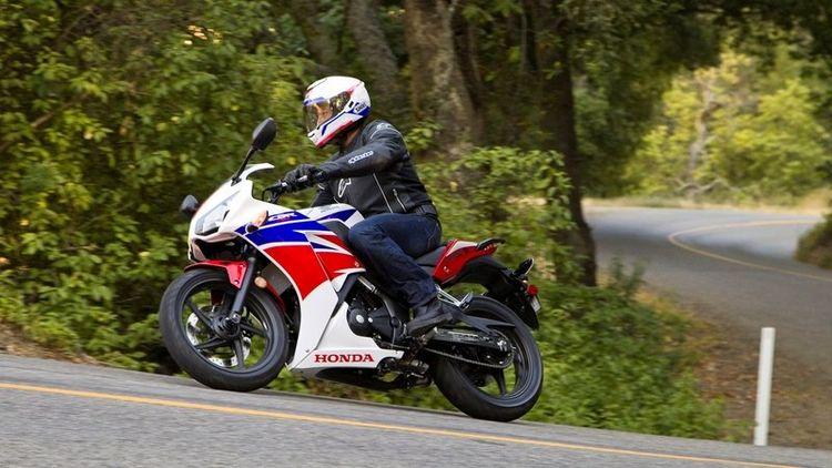 Мотоцикл Honda CBR 300 R