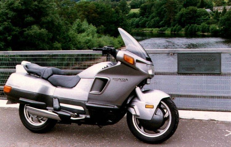 Мотоцикл Honda PC 800 Pacific Coast