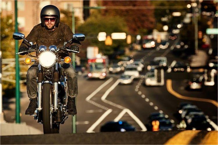 Мотоцикл Yamaha SR400