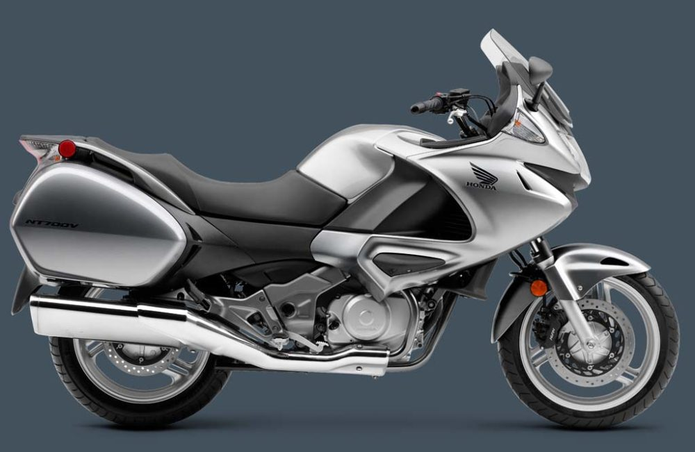 Honda NT 700V Deauville - яркий и интересный байк