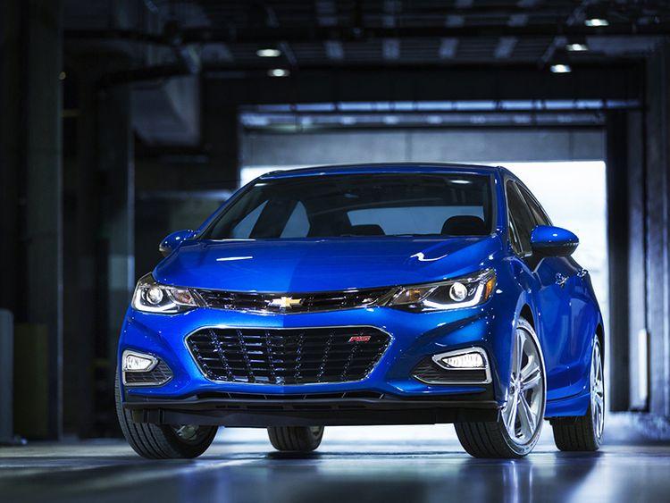 Что лучше - Chevrolet Cruze или Hyundai Solaris? Кого стоит покупать?