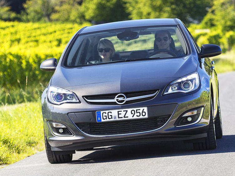 Opel Astra седан, хетчбэк, Tourer 2016 года фото видео обзор