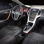 Комплектации Opel Astra