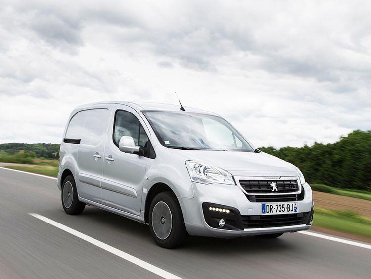 Обновленный Peugeot Partner минивэн и фургон фотообзор