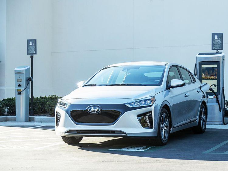 Hyundai Ioniq фото видео