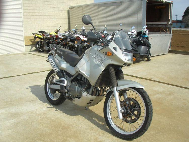 Мотоцикл Kawasaki KLE 400 - по классу туристический эндуро