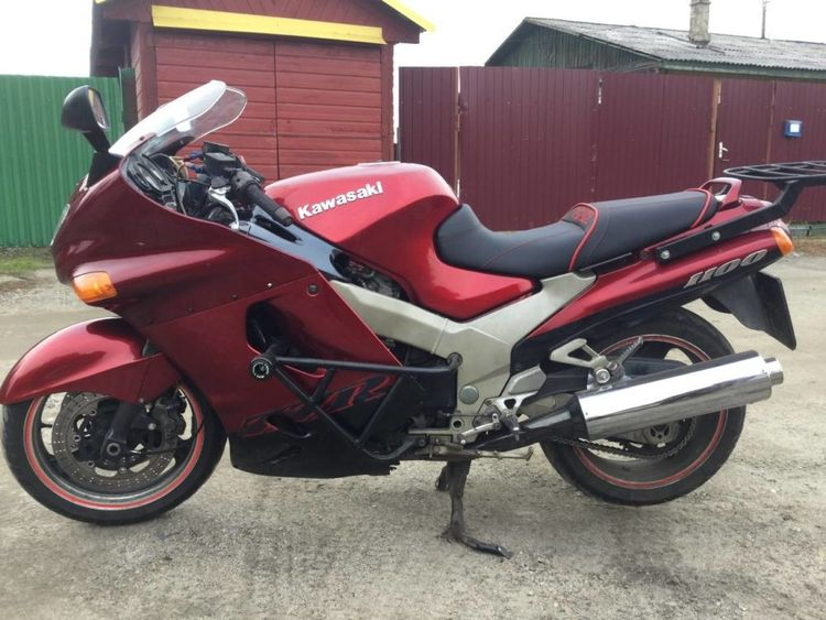 Мотоцикл Kawasaki ZZR 1100 - одно время был самым быстрым серийным байком в мире