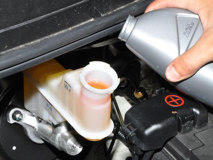 Замена жидкости ГУР в Hyundai Solaris