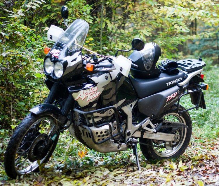 Мотоцикл Honda XRV 750 Africa Twin