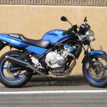 Мотоцикл Honda CB-1 — классический байк для повседневной езды по ровным дорогам