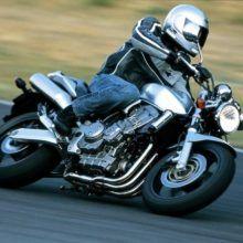 Обзор Honda CB 900 F Hornet — типичный дорожный мотоцикл
