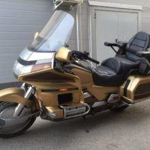 Хонда GL 1500 Gold Wing — внушительный туристический мотоцикл