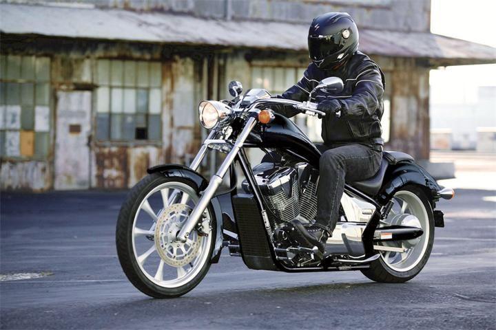 Мотоцикл Honda VT 1300 Fury