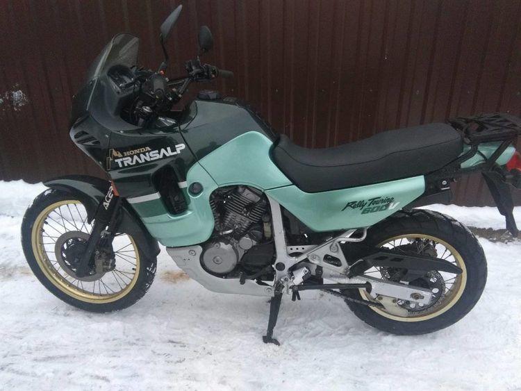 Мотоцикл Honda XL 600 V Transalp - один из лучших представителей туристических эндуро