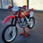 Мотоцикл Honda XR 400 - один из лучших мотардов в мире