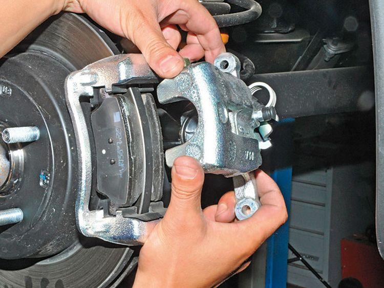 Когда и как необходимо менять тормозные колодки?