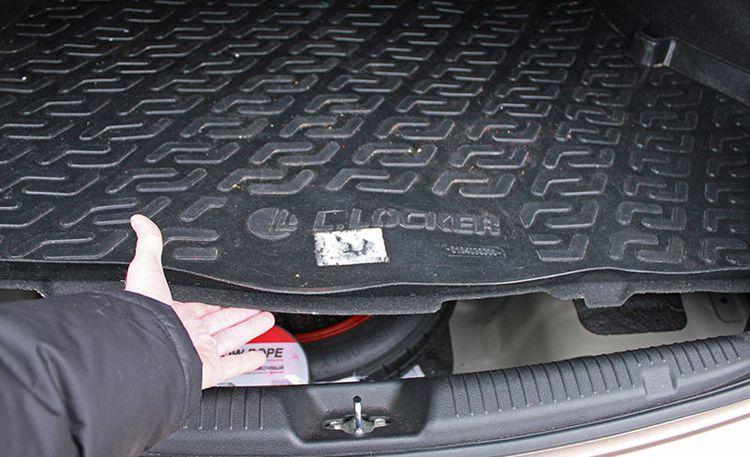 Замена обшивки багажника Хендай Солярис