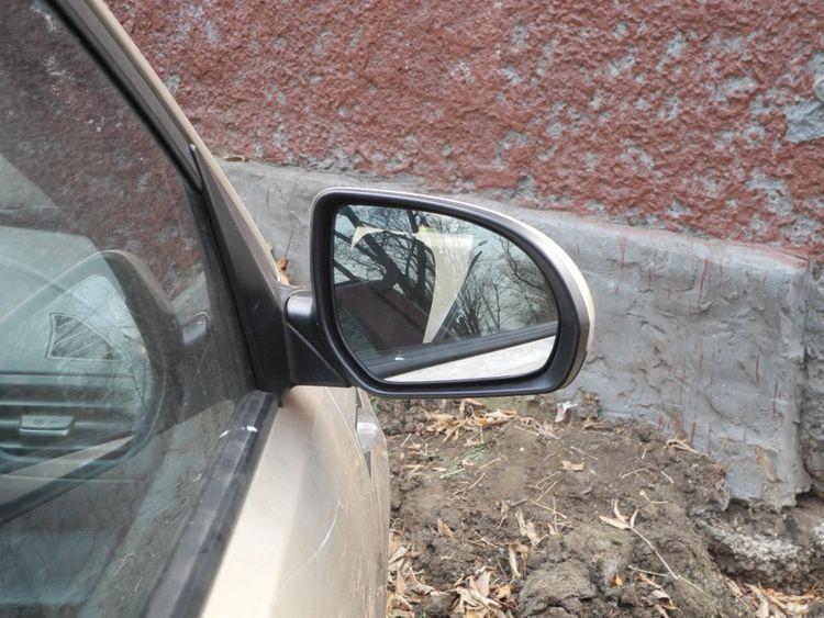Меняем зеркала заднего вида на Киа Рио