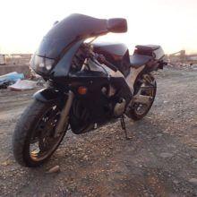 Обзор Yamaha FZR 400 RR
