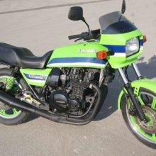 Kawasaki GPZ 1100 спортивно — туристический байк