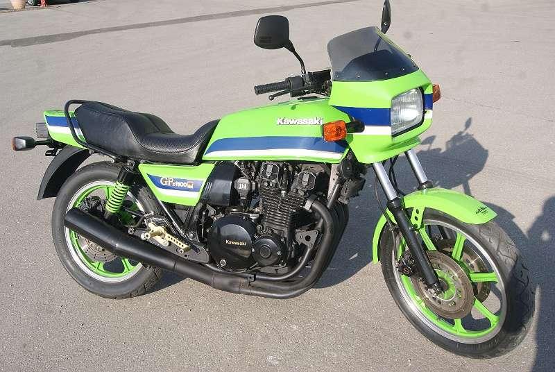 Kawasaki GPZ 1100 спортивно - туристический байк