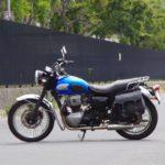 Мотоцикл Kawasaki W400 — это ретро-классический мотоцикл