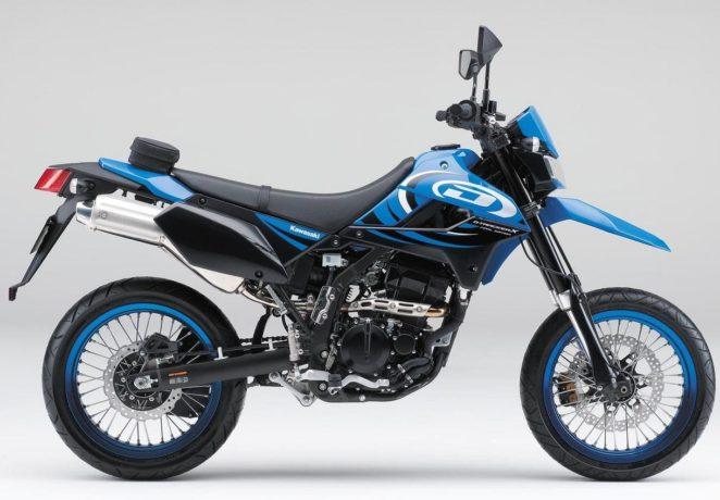 Мотард Kawasaki D-Tracker 250 - для начинающих в мотокроссе