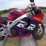 Honda CBR 900 RR Fireblade — спортивный мотоцикл старой закалки